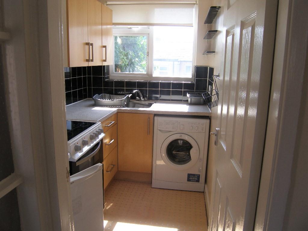 Near Town Centre Sharpley St Macclesfield 2 Bed Flat To